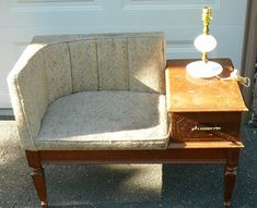 Reupholster This Gossip Bench? Vintage Telephone Table, Early American Furniture, Gossip Bench, Old Coffee Tables, Furniture Design, Furniture Ideas, Retro Furniture, Apartment Design, Furniture Making
