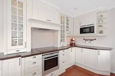 Bilderesultat for herregårdskjøkken sigdal Kitchens, Kitchen Cabinets, Home Decor, Kitchen Cabinetry, Homemade Home Decor, Decoration Home, Kitchen Shelving Units, Dressers, Home Decoration