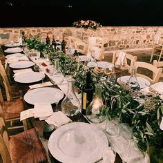 #wedding #sangalganowedding #bride #sangalganoabbey #bryllup #weddingitaly #weddingtuscany #destinationwedding #weddingideas #bouquet #brudebukett #bryllupiitalia #blomster #bryllupsinspirasjon #bryllupsdag #bryllupsfoto #bröllop#blikkfangerne #olivedecoration #oliverunner #bryllupsinspirasjon #bryllupsdag #bryllupsfoto #bryllupsfest #vielse #weddingceremony Wedding Dinner, Wedding Events, Weddings, Destination Wedding, Wedding Decorations, Table Settings, Dance, Lights, Instagram