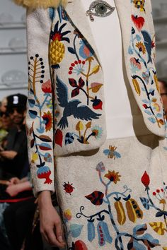 The complete Schiaparelli Spring 2016 Couture fashion show now on Vogue Runway. Ohh Couture, Couture Details, Fashion Details, Couture Fashion, Fashion Art, High Fashion, Fashion Show, Fashion Outfits, Womens Fashion