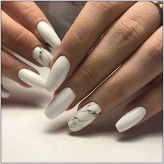 Nails in white gel: A range of ideas to adopt a very chic winter nail art Symbolizing purity, in winter, white is associated with snow and flakes. That's why white gel nails are a favorite during the cold season. The gel pol… Nails Source by svmterest - White Acrylic Nails, White Nail Art, Best Acrylic Nails, Marble Nails, White Manicure, Best Nails, Best Nail Art Designs, Acrylic Nail Designs, White Nail Designs