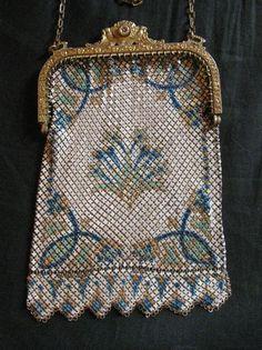 ~Mandalian~Enameled Mesh Flapper Bag with Bird Frame~Circa Vintage Purses, Vintage Bags, Vintage Handbags, Beaded Purses, Beaded Bags, Art Deco Clothing, 1930s Fashion, Fashion Vintage, Victorian Fashion