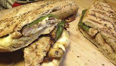 Pollo barbeque, arzua y pimientos verdes - SANDWISHARE