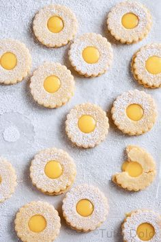 Citrus curd linzer cookies are a sweet taste of spring! Brown butter sandwich cookies are filled with triple citrus curd and dusted with powdered sugar. Mini Desserts, Desserts Keto, Dessert Recipes, Plated Desserts, Oreo Dessert, Tea Cakes, Baking Recipes, Cookie Recipes, Shortbread Recipes