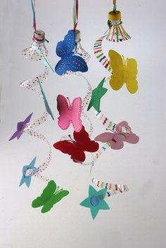 Vamos decorar e reciclar ao mesmo tempo? Faça estas lindas cortininhas para decorar sua festinha com garrafasPetspintadas e cortadas! Vej...