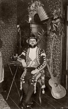 One man and his guitar. Ca. 1910