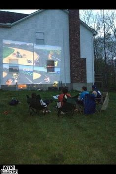 I want a projector! :) Must do this someday. :)