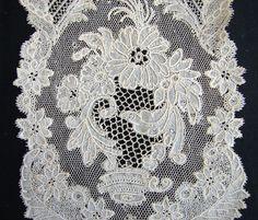 Maria Niforos - Fine Antique Lace, Linens & Textiles : Early Lace # LA-155 Circa 1750, Elegant Pair of Brussels Lace Lappets