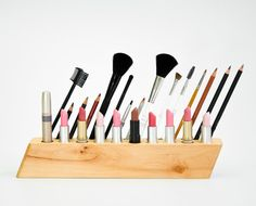 COUNTERTOP COSMETIC ORGANIZER Big Cleopatra - on sale this week - Makeup Holder