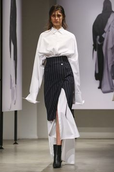 Elegant Splicing Shirt Dress With Striped Skirt Suit - The Effective Pictures We Offer You About fashion magazine A quality picture can tell you many thi - Look Fashion, Korean Fashion, High Fashion, Fashion Show, Fashion Design, Japan Fashion, Suit Fashion, Couture Fashion, Runway Fashion