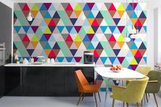 15 Modern Kitchen Designs with Geometric Wallpapers