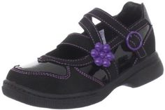 Heelys Socialite Skate Shoe (Little Kid/Big Kid),Black/Purple,6 M US Big Kid Heelys. $44.95