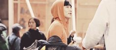 Lay turning around charismatically until he sees rhe camera and decides to turn all cute. Okay. Thats fine too