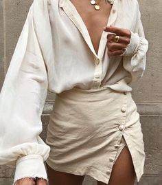 Discovered by ᴄʟαssʏ ǫᴜεεɴ ♛. Find images and videos about fashion, woman and animals on We Heart It - the app to get lost in what you love. Mode Outfits, Trendy Outfits, Fashion Outfits, Womens Fashion, Fashion Trends, Fashion Tips, Modest Fashion, Lifestyle Fashion, Fashion Quotes