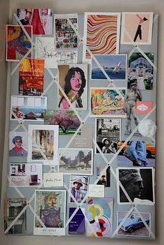 写真自体にピンは刺さず、ピンで固定したテープに写真を挟んでいく方法。名刺などやショップカードなど一時的に必要なものを差して置くのにも便利そう。