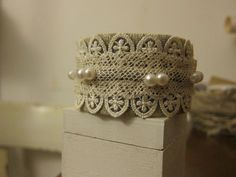 Bracelet Decorative Boxes, Bracelet, How To Make, Home Decor, Decoration Home, Room Decor, Wristlets, Bracelets, Home Interior Design