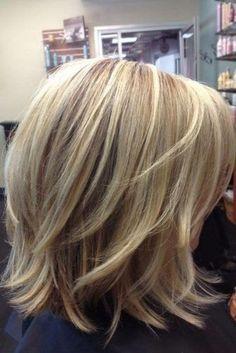 Cheveux Mi-longs : 20 Modèles à Piquer Immédiatement | Coiffure simple et facile