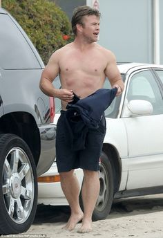 Luke Hemsworth catches some waves in Malibu | Daily Mail Online