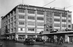 Warenhaus Hertie in der Wilmersdorfer Strasse in Berlin CharlottenburgAussenansicht 1952