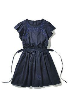 Felissimo | Navy: |. Haco STOCK [Jaco Stock] vestido girly y tirar bordado Estilo mexicano