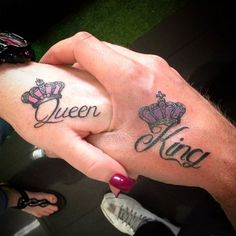 King and Queen Hand Tattoo - Best Tattoo Ideas and Designs For Couples - Cute Matching Tattoos For King and Queen, Husband and Wife, Boyfriend and Girlfriend Small Tattoos Men, Couples Hand Tattoos, Best Couple Tattoos, Couples Tattoo Designs, Best Tattoos For Women, Popular Tattoos, Queen Crown Tattoo, King Queen Tattoo, Queen Of Hearts Tattoo