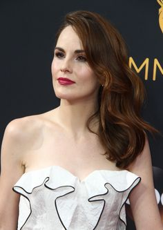 Downton Abbey Cast, Top Celebrities, Celebs, Michelle Dockery, Lady Mary, New York Street, New Hair, Muse, Beautiful People