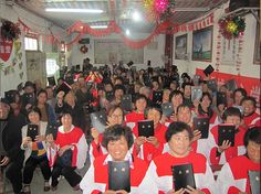 Tyndale Distributes Over 200,000 Bibles in China