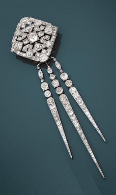 96a32f16c62f Janesich  An Art Deco platinum and diamond brooch