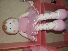 Boneca bailarina,feita com tecido de algodão enchimento anti-alérgico , tamanho 60CM