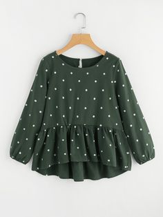 Cute and Casual Polka Dot Peplum Regular Fit Round Neck Long Sleeve Green Polka Dot Print Frill Dip Hem Blouse Modest Fashion, Hijab Fashion, Fashion Outfits, Trendy Outfits, Kids Outfits, Cute Outfits, Cooler Look, Spring Shirts, Mode Hijab