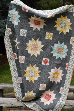 Moon Blossoms Quilt #theclothparcel