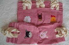 Sacolinha surpresa - festa Fazendinha | Flickr – Compartilhamento de fotos! 2 Baby, Farm Party, Kids Bags, Fabric Art, Ideas Para, First Birthdays, Diy And Crafts, Quilts, Ideas Party
