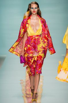Spring 2015 Ready-to-Wear - Emanuel Ungaro - Look 28 I love these colours and the print