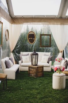 A pretty lounge area brings the outdoors in.