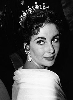Elizabeth Taylor and her love affair with jewelry