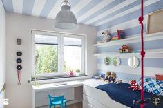 Wnętrze z Banksy`m - Średni pokój dziecka dla chłopca dla malucha, styl skandynawski - zdjęcie od studio POTORSKA