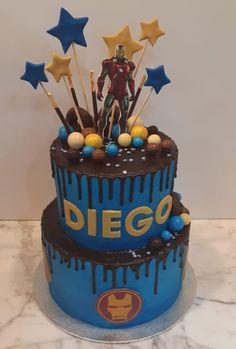 Tarta buttercream azul con dripp de chocolate e Iron Man. Iron Man Birthday, Birthday Cakes For Men, Drip Cakes, Cupcakes, Chocolate, Desserts, Food, Fondant Cakes, Lolly Cake