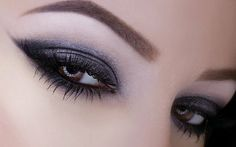 Cold Weather Makeup Trends - Gray Smoky Eyes