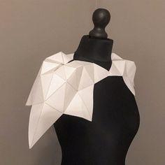 #maryamdastmalchian #parametricfashion #codestructedskin #parametricdesign #fashionarchitecture