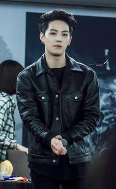 Image about kpop in 😙Jaebum😙 by YixingMixing on We Heart It Youngjae, Jaebum Got7, Kim Yugyeom, Got7 Jackson, Jackson Wang, Girls Girls Girls, Mark Tuan, K Pop, Shinee