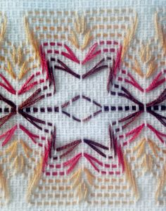 Huck Towels are perfect for gift giving…and are very relaxing to create! Put on the Christmas Carols, thread up a needle with embroidery thread and one or two ho… Silk Ribbon Embroidery, Embroidery Thread, Cross Stitch Embroidery, Embroidery Patterns, Cross Stitches, Loom Patterns, Bordado Tipo Chicken Scratch, Huck Towels, Swedish Weaving Patterns