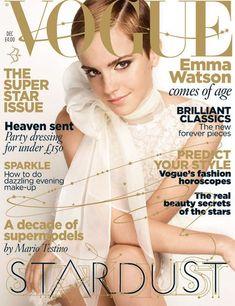 Emma Watson usando Valentino, tapa de Vogue UK en deciembre de 2010.