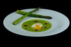 Дегустационно меню - лято 2014: Супа от аспержи с поширано яйце и трюфел крутони... Леко, свежо и много вкусно предложение от Вила Марциана!