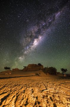 Milky Way - Pinnacles, Western Australia Want to see this! Beautiful Sky, Beautiful Places, Milky Way From Earth, Dark Skies, Imagines, To Infinity And Beyond, Science And Nature, Western Australia, Stargazing