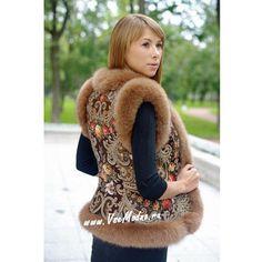 Купить Жилетка из павлопосадского платка по цене 18 500 руб. в интернет магазине Всемодно