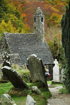 """Kevin's Kirchen ~ Glendalough, Wicklow, Ireland ~ is a nave-and-chancel church of the century. It is named after St. Kevin, or Coemhghein in Irish, meaning """"fair begotten"""" a descendant of one of the ruling families in Leinster. Abandoned Churches, Old Churches, Abandoned Places, Old Cemeteries, Graveyards, Chapelle, Place Of Worship, Ireland Travel, Places To See"""