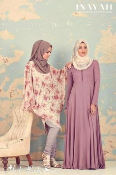 I love the rose-coloured abaya <3