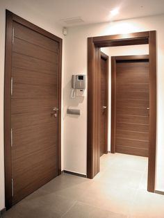 Wood Front Doors, Doors Interior, Door Design Modern, Wood Doors Interior, Home Design Decor, Hallway Designs, Modern Wood Doors, Doors Interior Modern, House Interior Decor