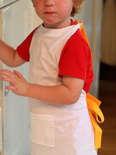 How to: Child Thanksgiving Apron Made From a T-Shirt!