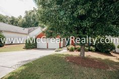 Great+3+BR/2+BA+Step-less+Ranch+in+Kennesaw+features+fenced+back+yard!